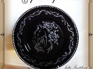 Декор тарелочки в технике трафарирование. Ярмарка Мастеров - ручная работа, handmade.