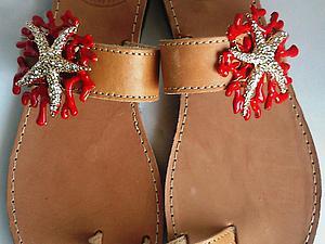 Оформление сандалий морской звездой с кораллами. Ярмарка Мастеров - ручная работа, handmade.