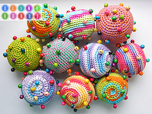 Вязаный мячик с бусинами (тактильная игрушка) | Ярмарка Мастеров - ручная работа, handmade