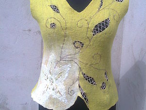 валяная кофточка с вышивкой | Ярмарка Мастеров - ручная работа, handmade