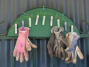 Садовая вешалка для перчаток и  рабочей одежды. | Ярмарка Мастеров - ручная работа, handmade