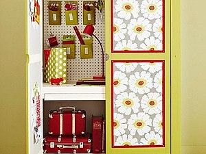 Вторая жизнь старого шкафа: декор с помощью обоев   Ярмарка Мастеров - ручная работа, handmade
