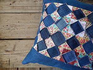 Подушка из джинсов. Ярмарка Мастеров - ручная работа, handmade.