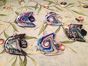 Кулоны, подвески и украшения для интерьера -