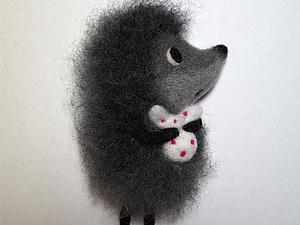 Валяем милую брошь «Ежик в тумане». Ярмарка Мастеров - ручная работа, handmade.