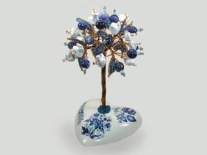 Новое добавление изделий:  Дерево благополучия - гжелка из кахолонга и лазурита на сердечке | Ярмарка Мастеров - ручная работа, handmade