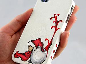 """Декупаж чехла для iPhone """"Ленивый рождественский гномик"""". Ярмарка Мастеров - ручная работа, handmade."""