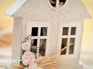 Everybody needs a house or a boundless imagination and a bit of cardboard!