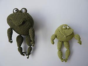 Вяжем крючком забавную лягушку. Ярмарка Мастеров - ручная работа, handmade.