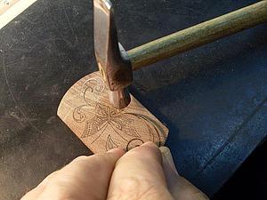 Секреты тульской всечки. Урок 3: всекание полосочки металла в лунк. Ярмарка Мастеров - ручная работа, handmade.