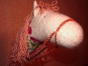 Мастерим забавную лошадку на палочке. Ярмарка Мастеров - ручная работа, handmade.