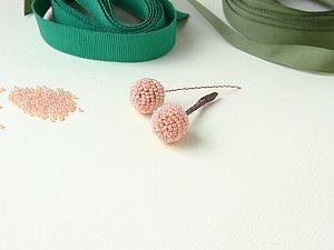 Мастер-класс: вышитая бисером ягодка «Морошка» на стебельке. Ярмарка Мастеров - ручная работа, handmade.