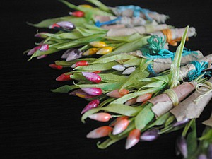 «Выращиваем» миниатюрные тюльпаны из полимерной глины и проволоки. Ярмарка Мастеров - ручная работа, handmade.