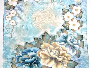 Платок «Весенние цветы» в технике холодного батика. Ярмарка Мастеров - ручная работа, handmade.