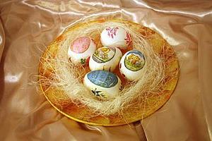 Декупаж к Пасхе: тарелочка и праздничные яйца. Ярмарка Мастеров - ручная работа, handmade.