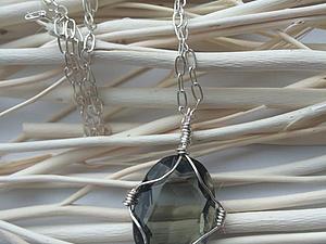Памятный кулон из проволоки с кабошоном своими руками. Ярмарка Мастеров - ручная работа, handmade.