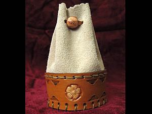 Замшевый мешочек с кожанной вставкой и тиснением. | Ярмарка Мастеров - ручная работа, handmade