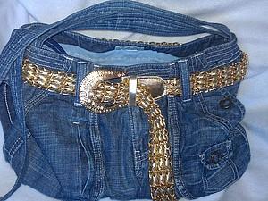 Сумка через плечо из старых джинс