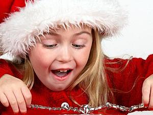 Жители какой страны придумали дарить подарки в новый год