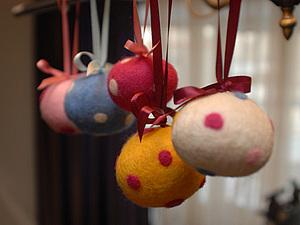 Шерстяные шарики для новогодней елочки | Ярмарка Мастеров - ручная работа, handmade