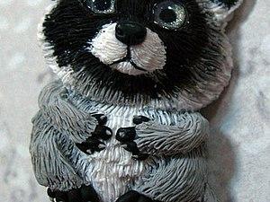 Миниатюра из полимерной глины. Тема: Крошка енот | Ярмарка Мастеров - ручная работа, handmade