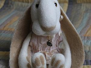 Зайка или мишка с подвижным креплением лапок в технике мокрого валяния   Ярмарка Мастеров - ручная работа, handmade
