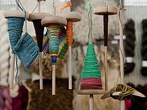 Прядение на веретене с элементами фактурной пряжи +веретено в подарок! | Ярмарка Мастеров - ручная работа, handmade