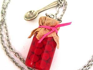 Кулон Баночка с вишневым вареньем – «Лето у бабули» | Ярмарка Мастеров - ручная работа, handmade