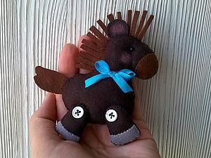 Шьем симпатичную лошадку из фетра. Ярмарка Мастеров - ручная работа, handmade.