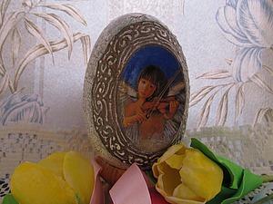 Создаем пасхальное яйцо с медальонами