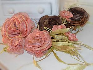 Цветы. Розы из шелковых и растительных волокон. Шелковый