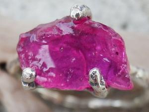 Аукцион! Кольцо с необработанным рубином! ЗАКОНЧЕН! | Ярмарка Мастеров - ручная работа, handmade