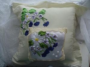 Вышивка лентами на свадебной подушечке. Ярмарка Мастеров - ручная работа, handmade.