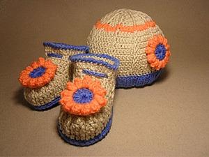 Вяжем пинетки и шапочку крючком. Часть 1: пинетки. Ярмарка Мастеров - ручная работа, handmade.