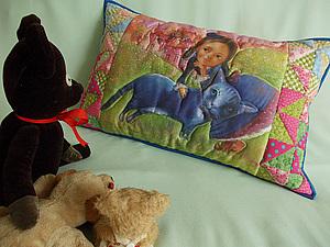Декоративная  детская лоскутная подушка. Еще и с принтом! | Ярмарка Мастеров - ручная работа, handmade