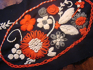 Объемная вышивка по трикотажу | Ярмарка Мастеров - ручная работа, handmade