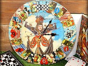 Делаем интересные и яркие часы «Алиса в Стране Чудес». Ярмарка Мастеров - ручная работа, handmade.
