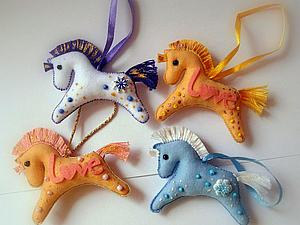 «Готовь сани летом...», или шьем елочную игрушку «Лошадка». Ярмарка Мастеров - ручная работа, handmade.