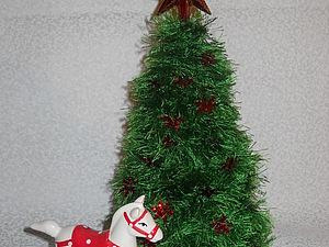 Новогодние вязанные ёлочки из