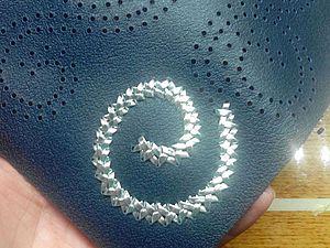 Вышивка портмоне и кошельков кожаной нитью. Ярмарка Мастеров - ручная работа, handmade.