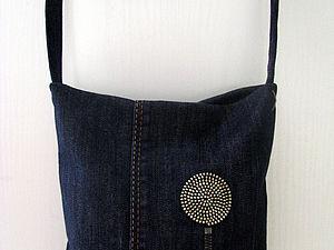 Маленькая сумочка из джинсов с декором молниями | Ярмарка Мастеров - ручная работа, handmade