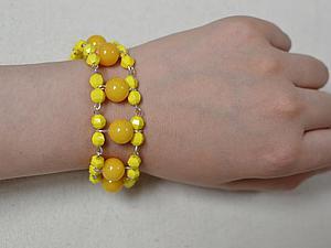 Плетем яркий несложный браслет «Солнечное веселье». Ярмарка Мастеров - ручная работа, handmade.