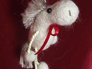 Мастер-класс по сухому валянию. «Лошадка - елочная игрушка или брелок». Ярмарка Мастеров - ручная работа, handmade.