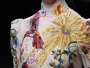 Сон под крыльями эльфов: вышивка в коллекциях Alexander McQueen. Ярмарка Мастеров - ручная работа, handmade.