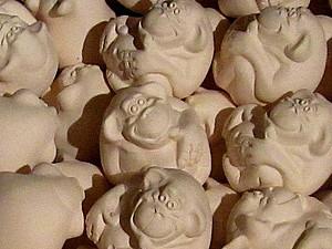 От литья до утильного обжига: делаем фаянсовых обезьянок. Ярмарка Мастеров - ручная работа, handmade.