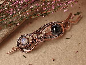 Создаем оригинальное медное украшение для вязаных вещей: брошь-фибула в технике wire wrap | Ярмарка Мастеров - ручная работа, handmade