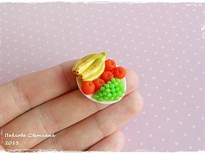Тарелочка с фруктами из полимерной глины.Кулинарная миниатюра   Ярмарка Мастеров - ручная работа, handmade