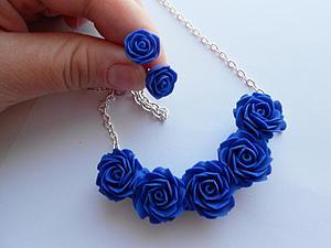 Комплект с синими розами из полимерной глины. Видео мастер-класс. Ярмарка Мастеров - ручная работа, handmade.