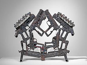 Музыка из оружия: Pedro Reyes и его креативный подход
