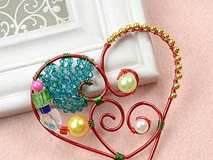 Как сделать сердцевидный кулон с использованием разноцветных бусин. Ярмарка Мастеров - ручная работа, handmade.